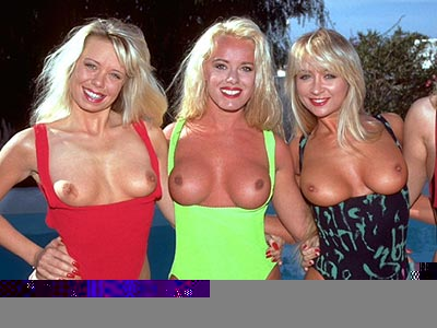 beachgirls5.jpg