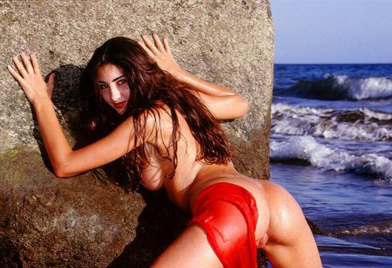 FKK Bilder – Traumfrau nackt am Meer